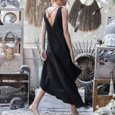 Klänning 100% linne Open back Maxi Black - Chintamani Alchemi