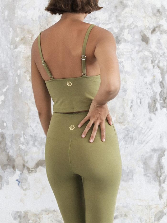 Yogatopp Ananda tank Olive - Indigo Luna