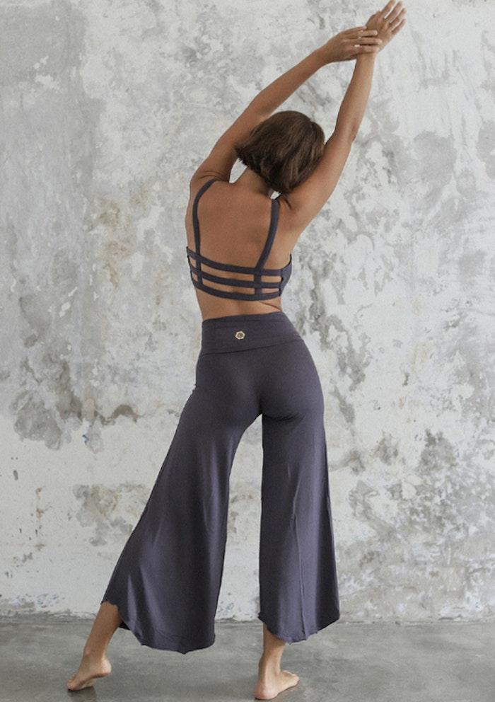 Yogabyxor Layla Flares Charcoal - Indigo Luna