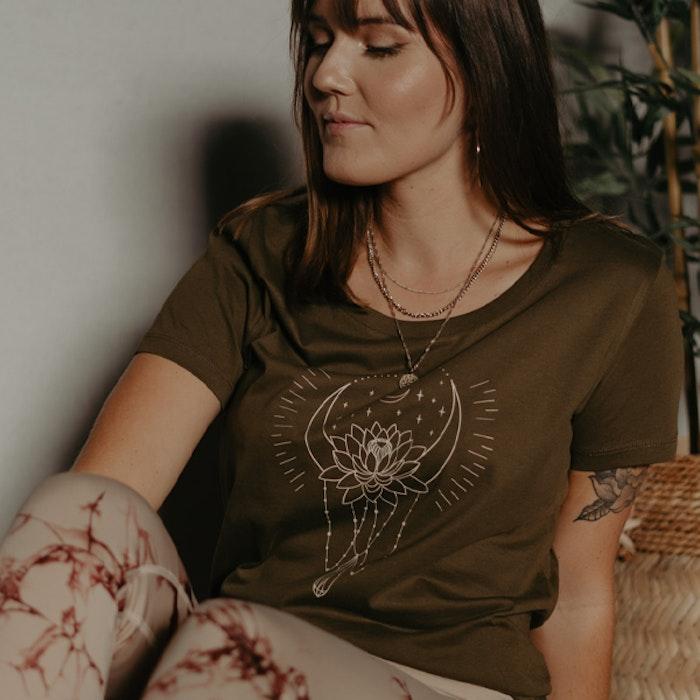 "T-shirt ""Moon bath"" Khaki - Yogia"