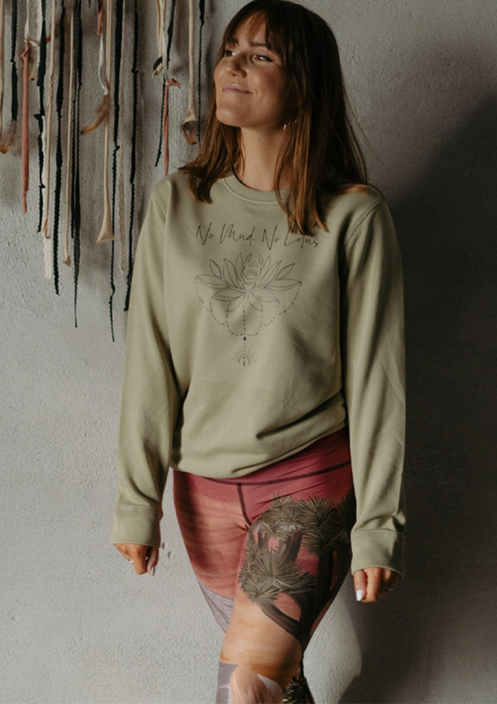 "Sweatshirt ""No mud No Lotus"" Sage - Yogia"