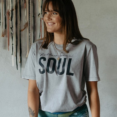 "T-shirt Unisex ""Follow your soul"" Aged grey - Yogia"