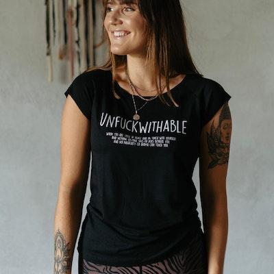 T-shirt Unfuckwithable Svart - Soul Factory