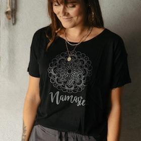 T-shirt Namaste Svart - Soul Factory