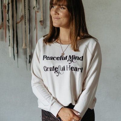 "Sweatshirt ""Peaceful Mind Grateful Heart"" Vintage White - Yogia"