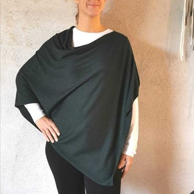 Poncho Petrina Dark Green - Movesgood