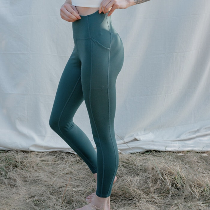 Yogaleggings Pocket High Rise Long Moss - Girlfriend Collective