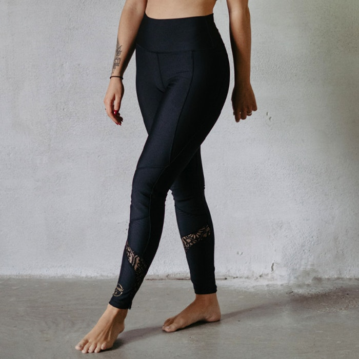 Yogaleggings Kneelove Lacework - Vackraliv Yoga