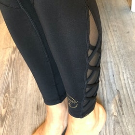 "Yogaleggings Kneelove Mesh ""Be More You"" - Vackraliv Yoga"