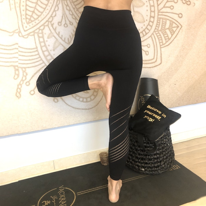 Yogaleggings Seamless Perfect fit 7/8 Black - Vackraliv Yoga