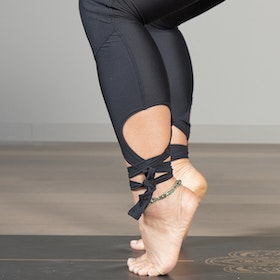 Yogaleggings Kneelove Laces - Vackraliv Yoga