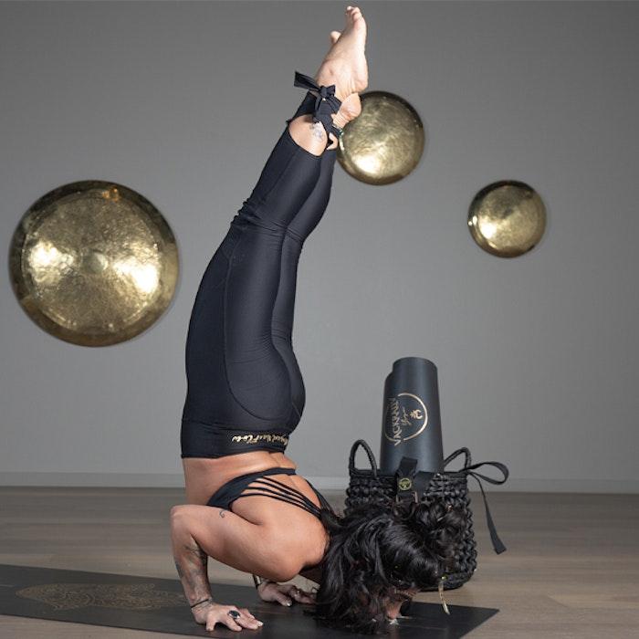 Yogaleggings Kneelove Laces - Vackraliv Yoga