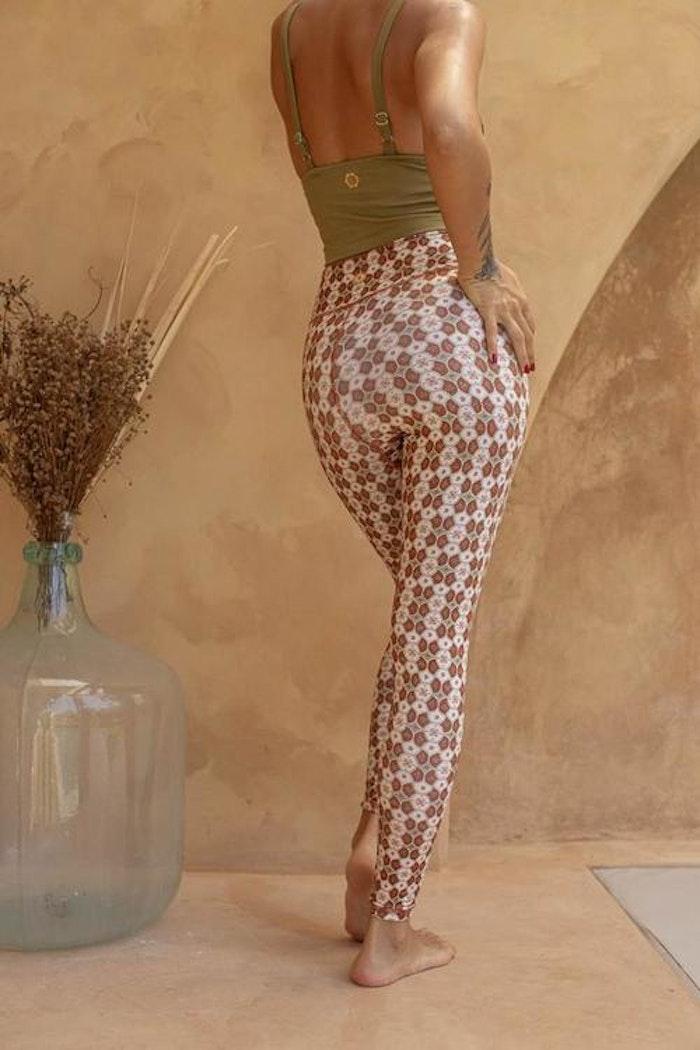 Yogaleggings Batik Indah Terracotta - Indigo Luna