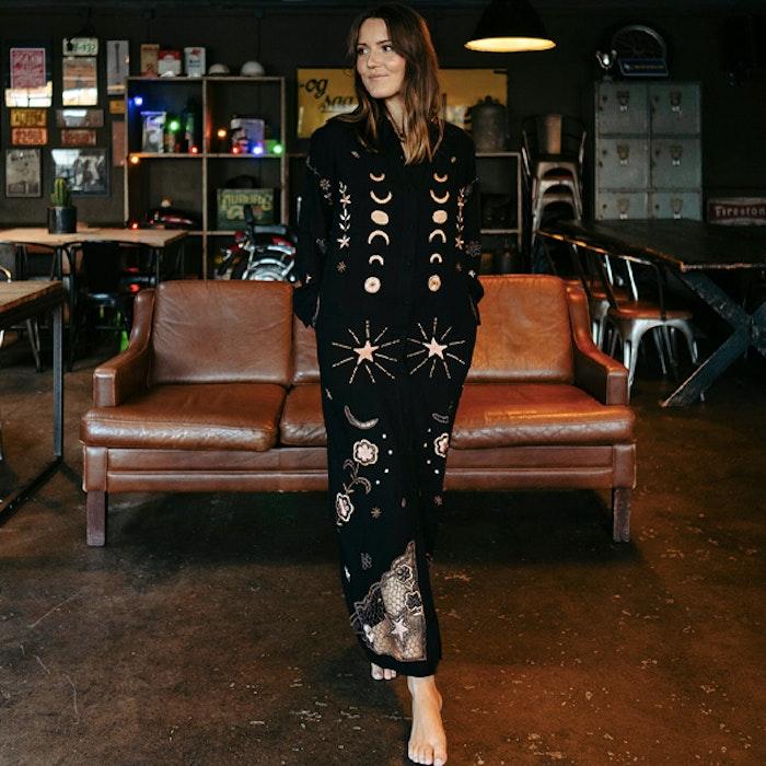Klänning Angelina Shirt Dress Black - Zaimara