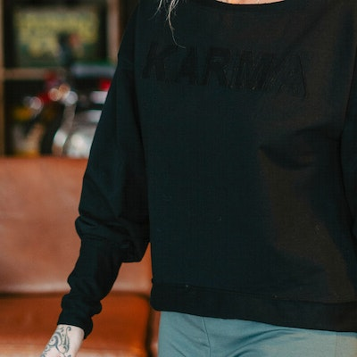 "Tröja Sweater Puff ""Karma"" Black - Yogia"