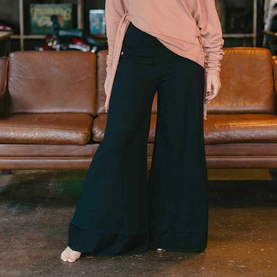 Byxor Big Pants Black - Yogia