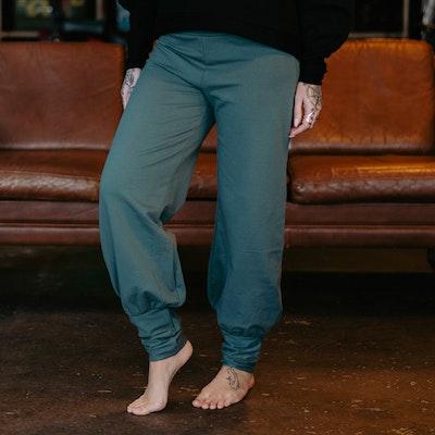 Byxor Aladin Pants Balsam Green - Yogia