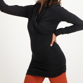 Yogatröja Good Karma longsleeve tunic Black - Urban Goddess
