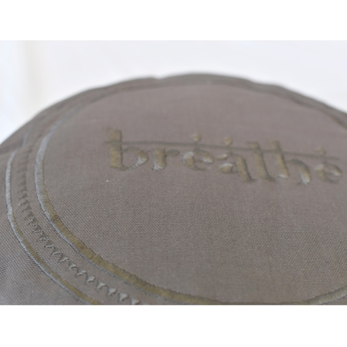Meditationskudde Breathe Warm Grey - Love Generation