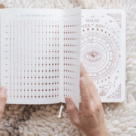 Kalender 2021 Astrological Planner White - Magic of I
