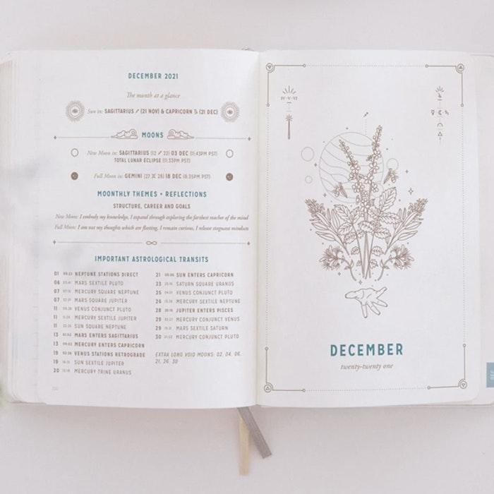 Kalender 2021 Astrological Planner White - Magic of I