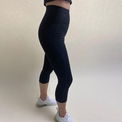 Yogaleggings Capri Black - Girlfriend Collective