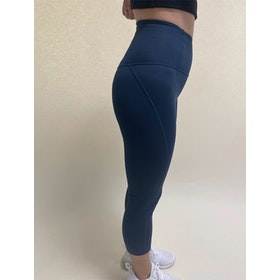 Yogaleggings Capri Midnight - Girlfriend Collective
