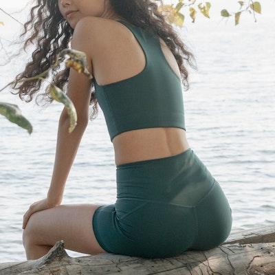 Yogashorts Run High Rise Moss - Girlfriend Collective