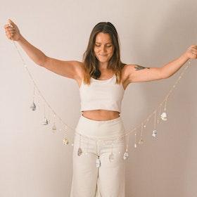 Väggdekoration Beach Vibes Healing Crystal Garland - Ariana Ost