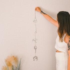 Vägg dekoration  Yoga Pose Silver - Ariana Ost
