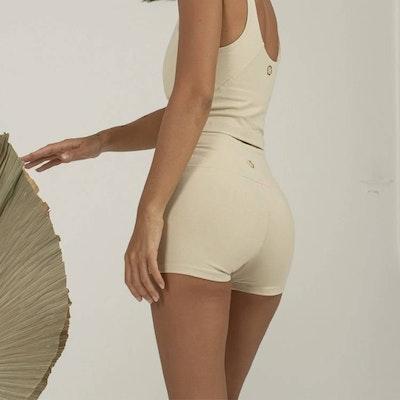 Yogashorts Ananda shorts Gardenia - Indigo Luna
