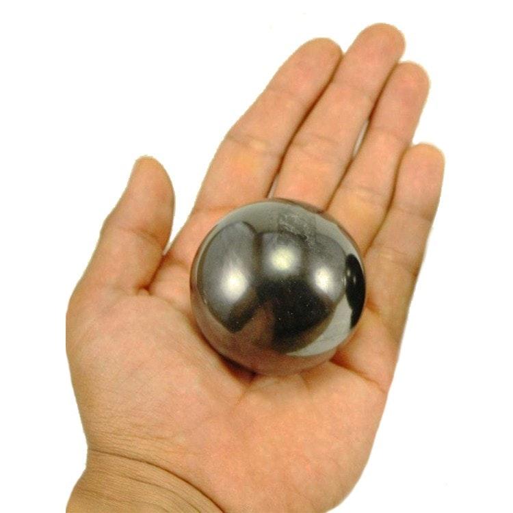 Shungitkula polerad 5 cm i metalställ
