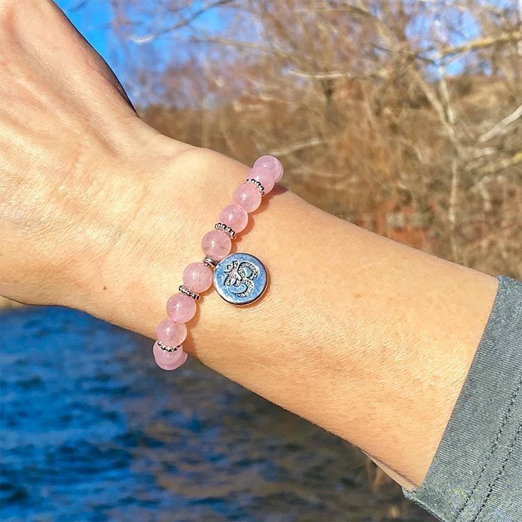 Rosenkvarts armband med AUM 8 mm pärlor