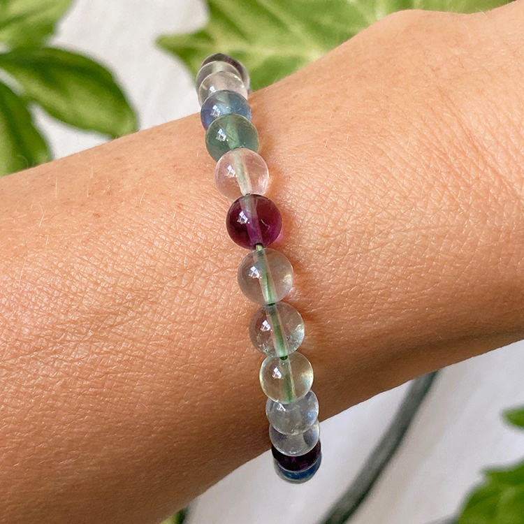 Grön Fluorit armband 6 mm pärlor