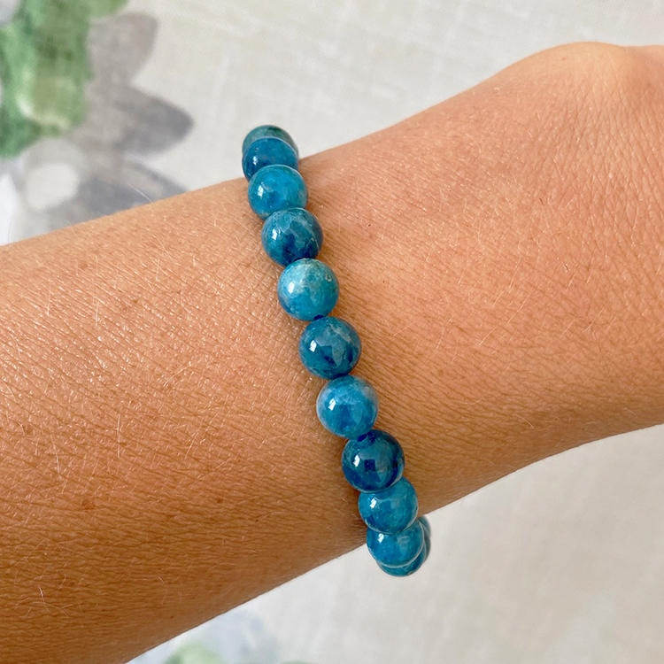 Blå Apatit armband 8 mm pärlor
