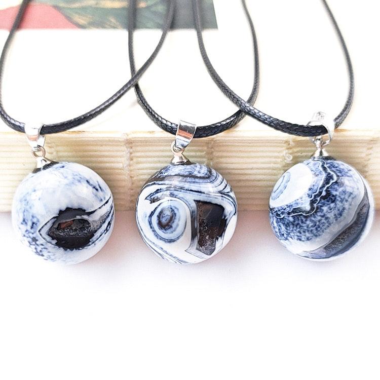 "Agat ""Ghost Eye"" hängsmycke 2 cm med halsband"