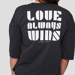 Tee - Love always wins