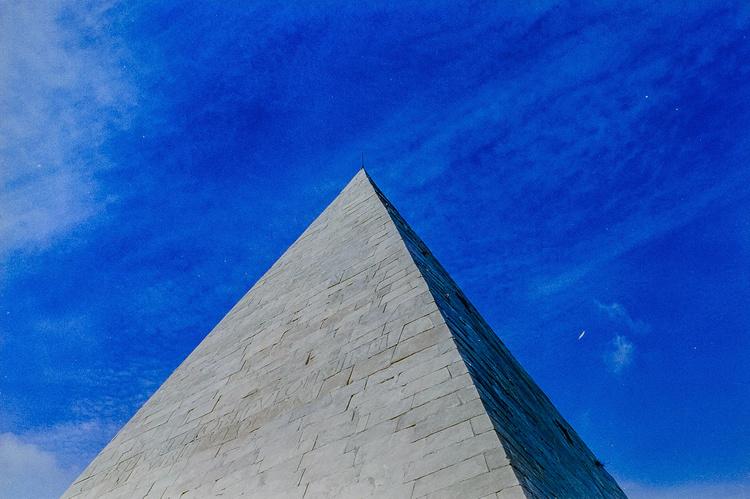 """piramide"" black frame"