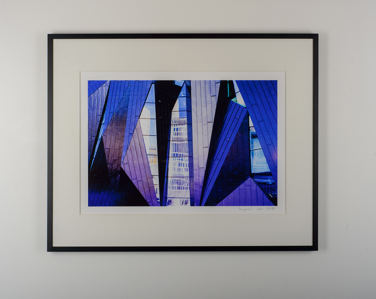 """diagonal"" black frame"