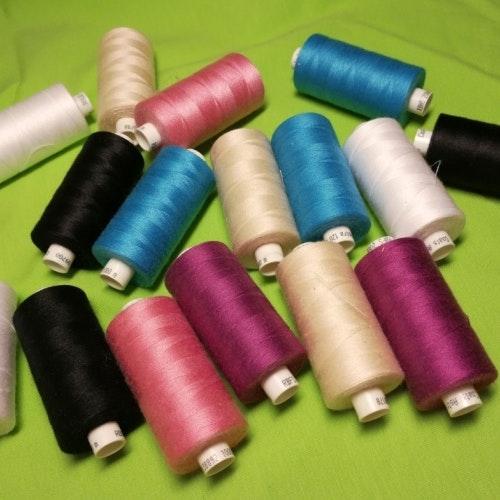Coats Ton-i-ton Tråd med tyg i samma order. Läs produkttexten.