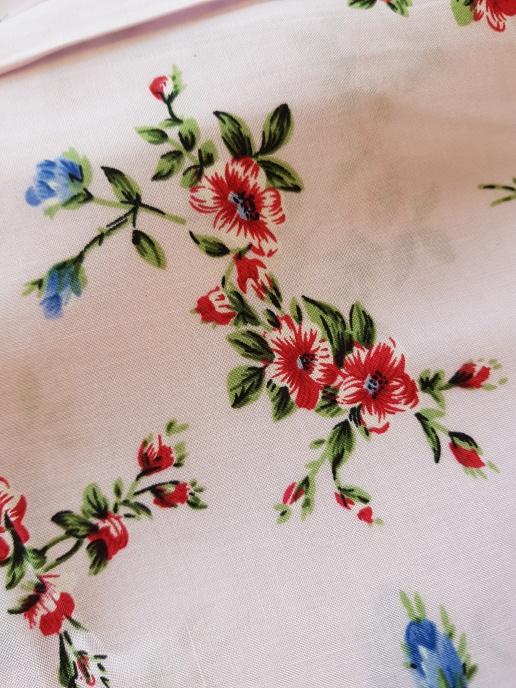Vävd viskos - Ljusrosa med blommor