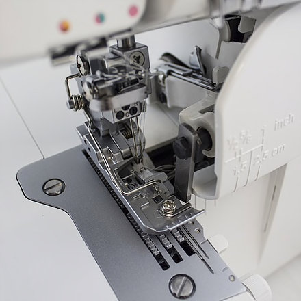 JUKI MO-735 - Kombimaskin, Overlock & Coverstitch