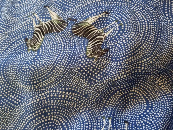 Vävd viskos - Blå med zebror