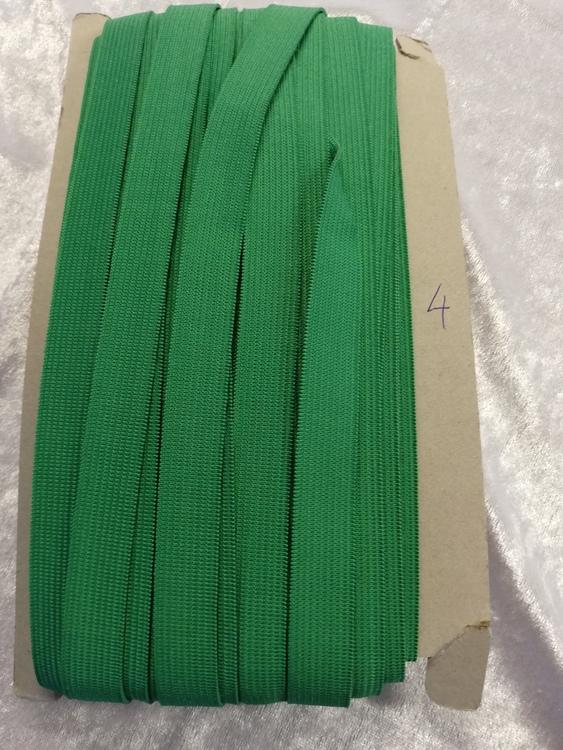 Färgad resår 15 mm bred, säljs per decimeter Nr 4 GRÖN