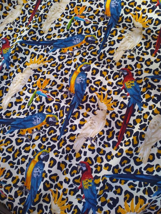 Bomullstrikå Leopard med fåglar