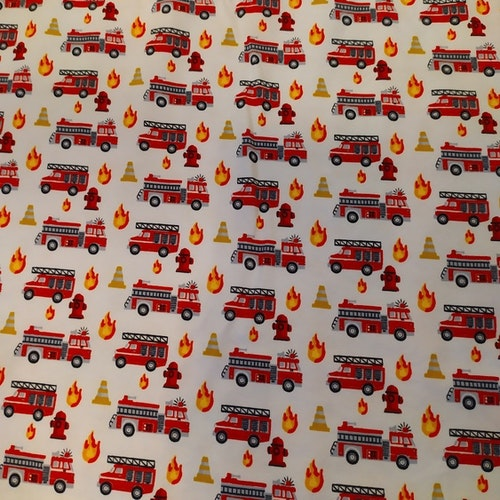 Bomullstrikå Glunz - Små brandbilar på vit botten