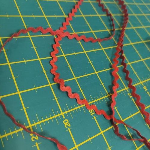 Sicksackband, så kallat Gansband Röd 8 mm
