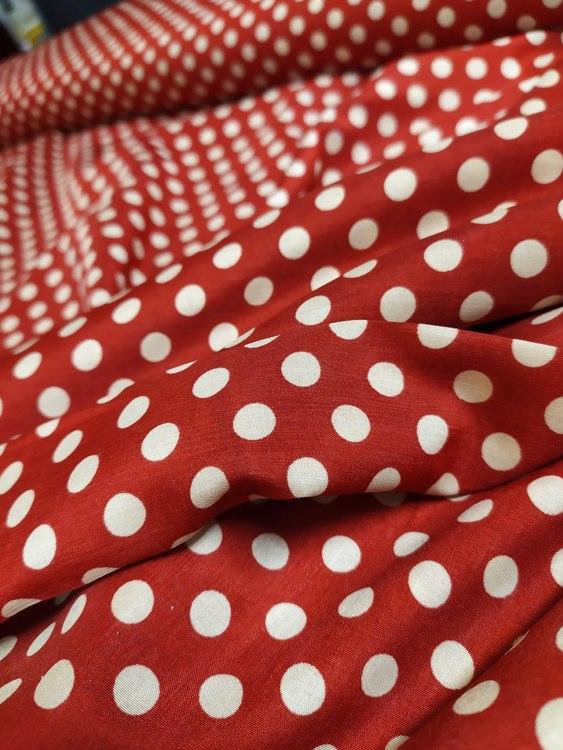 Peachskin Röd med prickar
