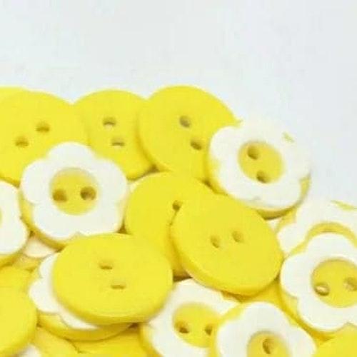 Knapp att sy fast 5-PACK , 13mm pastell gul blomma