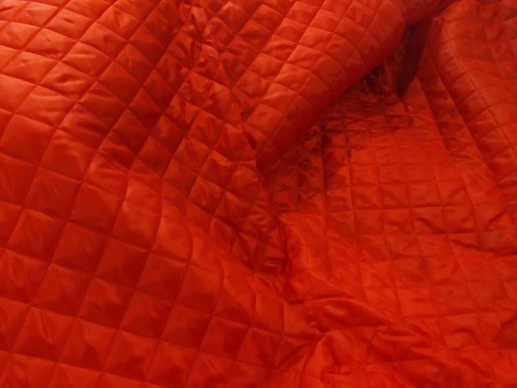 Kviltat jacktyg / jackfoder Röd Trapunta